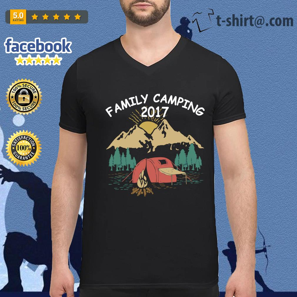 Family camping 2017 s v-neck-t-shirt